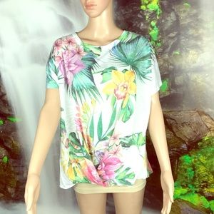 💐pretty TRYST floral top 💐